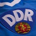 Détail de l'ecusson avec les lettres DDR du maillot foot rétro de l'Allemagne de l'Est de 1967