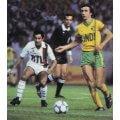Photo d'époque des joueurs du club parisien avec le Maillot Paris RTL 1983 blanc